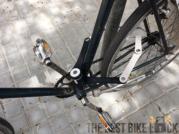 Foldylock Compact around back wheel