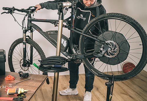YC-100ST supports heavy bikes