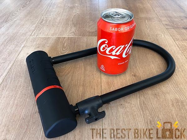 The Zefal K-Traz U17 and Coke can