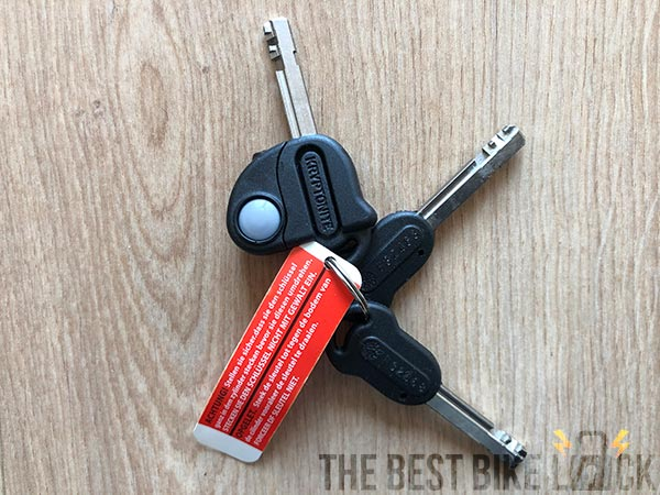 3 keys with the Kryptonite Evolution Standard New-U